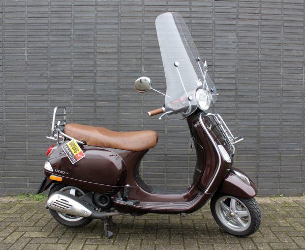 bikeselect occasion gebruikte scooter bromfiets vespa lx touring 4t 25km snorscooter. Black Bedroom Furniture Sets. Home Design Ideas